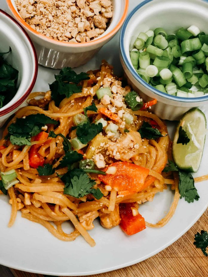 Quick Instant Pot Pad Thai
